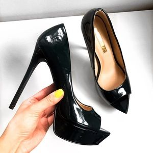 🆕 BLACK PEEP TOE PLATFORM PUMPS!